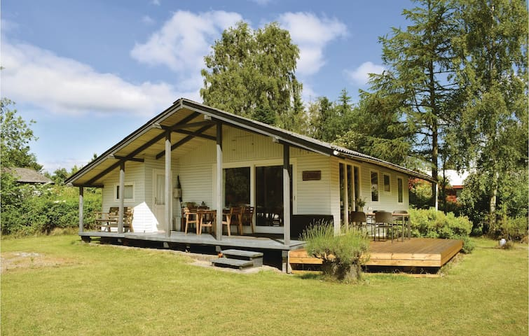 Holiday cottage with 2 bedrooms on 56m² in Ebeltoft