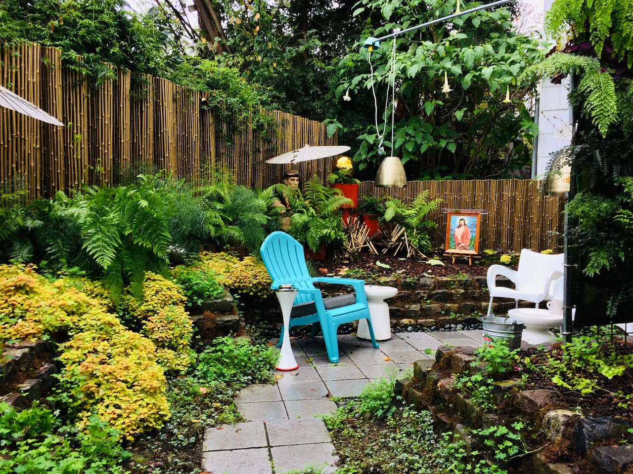Welcome to Little Paradise, the garden at Casa Linda