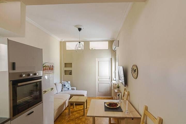 Comfy flat in Cholargos