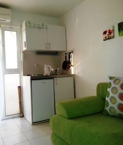 Апартамент на 1 этаже - Sutomore - Apartment