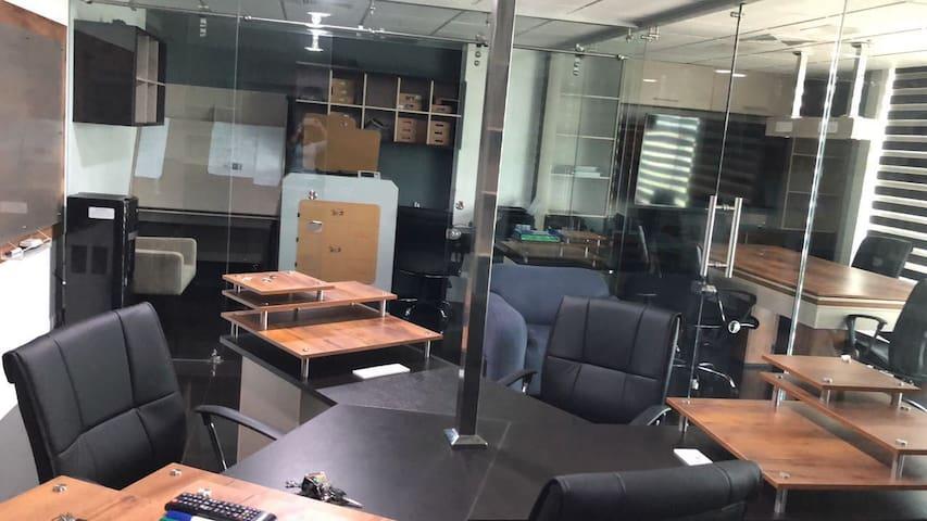Moderna Loft / Suite / Oficina amoblada