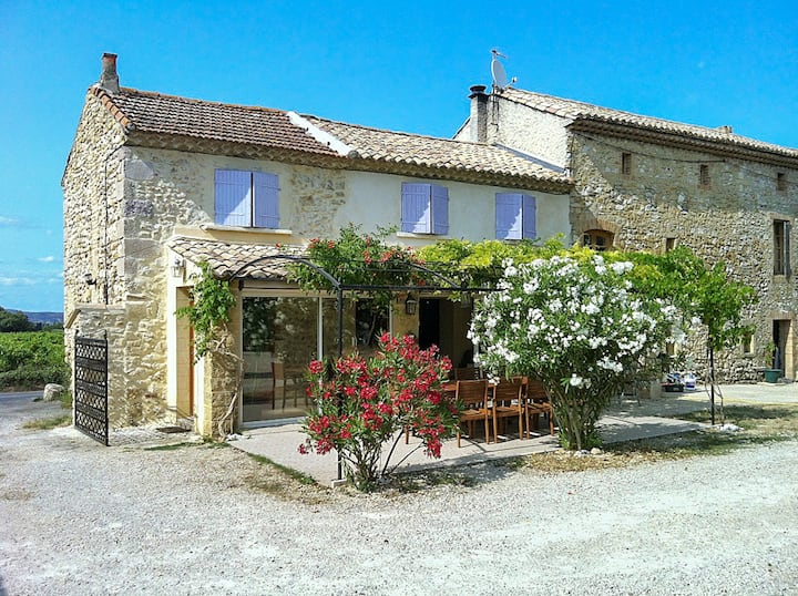 House with 3 bedrooms in Saint-Victor-la-Coste, with shared pool, enclosed garden and WiFi