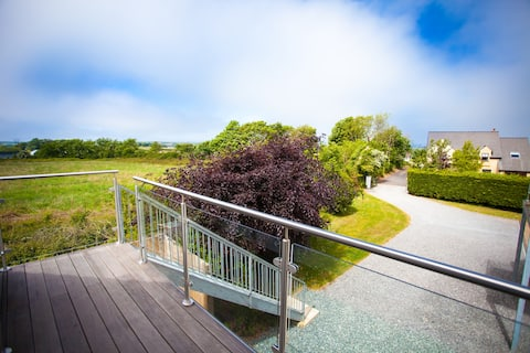 Pembrokeshire Retreat apartment with views.