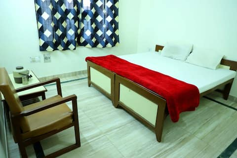 Double Ac Bed in Shree Shree radha Shyam Palace