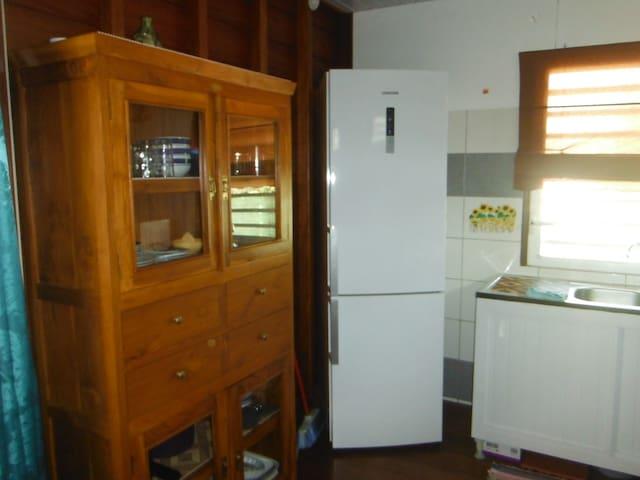 Réfrigérateur et congélateur, vaissellier