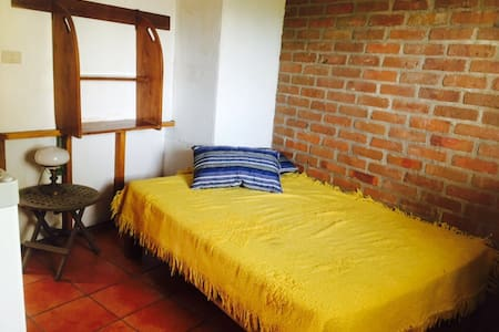 Octopus's Garden Sunshine bedroom - Cruz de Huanacaxtle