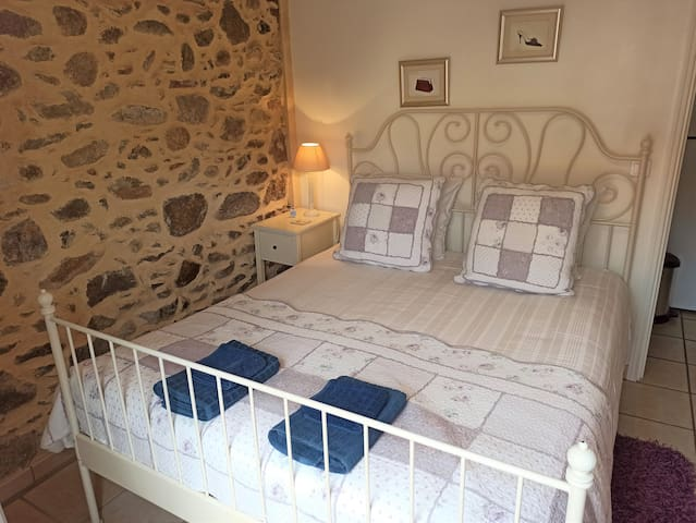 Comfortable UK king size bed