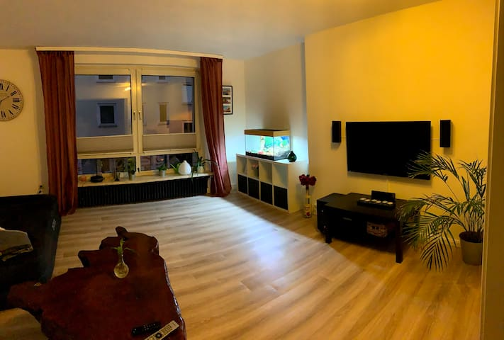 3-Zimmerwohnung in zentraler Lage Balkon WiFi TV