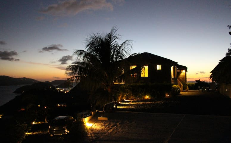 Casa Flamboyant: Where the sun sets - Tortola - Rumah