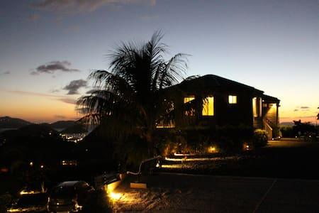 Casa Flamboyant: Where the sun sets - Tortola - Casa