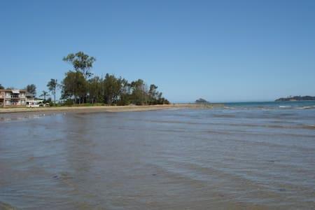 The Riverside Townhouse - Batemans Bay