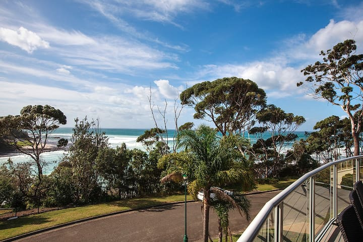 Couples Retreat By the Sea - Mollymook - Ev