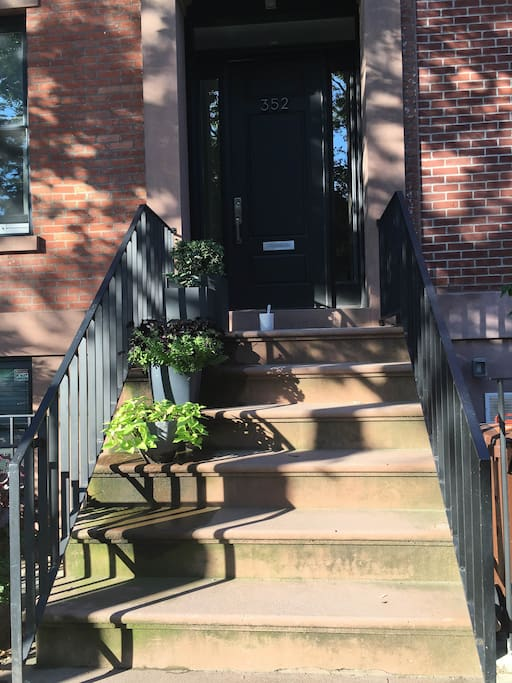 MAIN ENTRANCE, and a few steps away from subway (F and G, Bergen st) and Smith st Cobble Hill/Carroll gardens