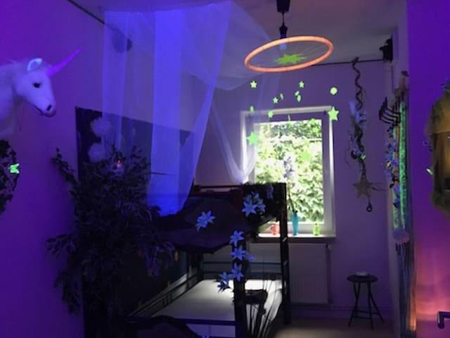 Gästezimmer am Weinberg (Kassel) -, Einzelzimmer Zauberwald, 11qm