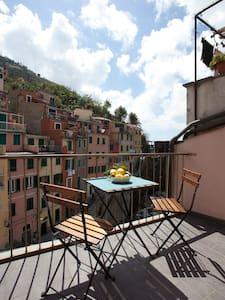 Apartment with balcony on the sea - Riomaggiore - Lägenhet
