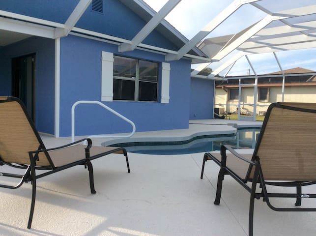 Relaxing pool home near beaches - Rotonda West - Hus