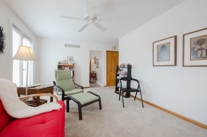 Darling Apt. 8 min downtown Cincy. - Bellevue - Dom