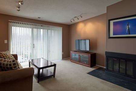 1 Bedroom Condo - Kondominium