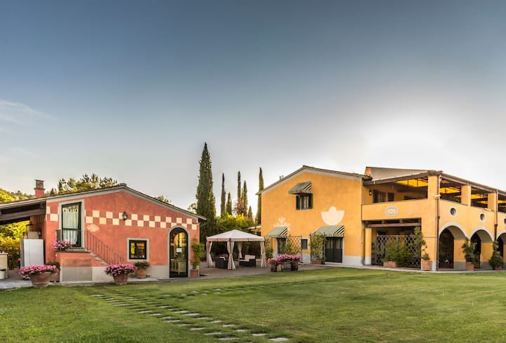 Giaggiolo - Vacation Rental with swimming pool in Chianti, Tuscany