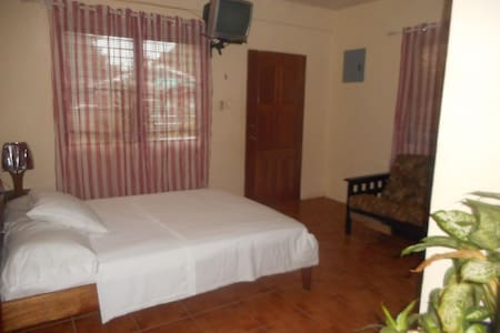 Gorgeous Spacious Studio Free WiFi Belize City - Belize City