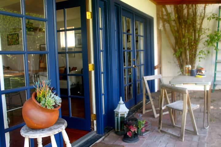 CHARMING+HIP LOS FELIZ LITTLE HOUSE
