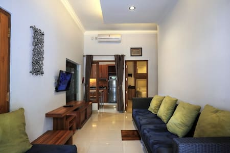 Home for 10 person - Yogyakarta City - Ev