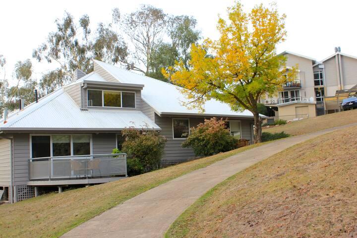 Sebel Pinnacle Valley Resort Chalet - Merrijig - Apartment