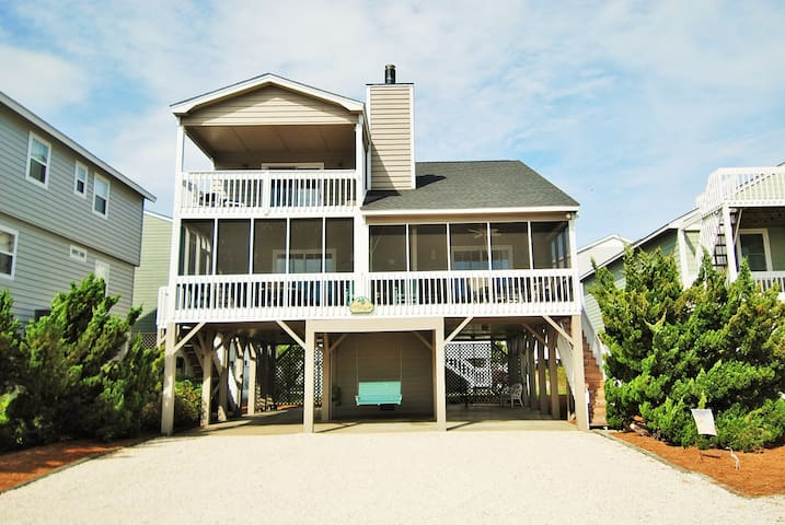 Family Friendly, Spacious Sunset Beach House