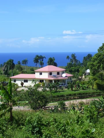 Spacious 5 bedrooms ocean view house in Cabrera - Cabrera - Rumah