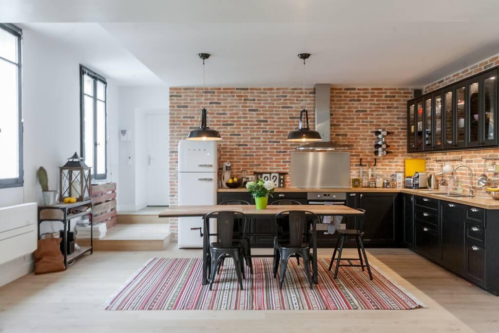 superbe loft de 140 m2 plein centre avec terrasse appartements louer bordeaux aquitaine. Black Bedroom Furniture Sets. Home Design Ideas