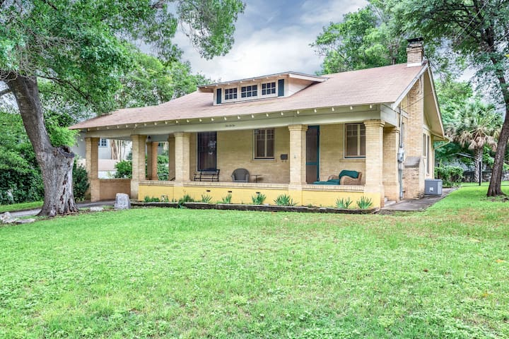 Alamo Heights Craftsman Haus 5 miles from downtown