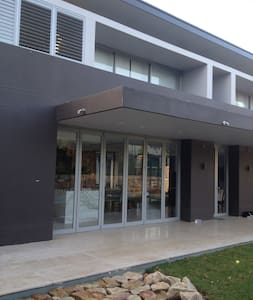 Brand new luxury home - HUNTERS HILL - House