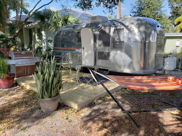 1967 Airstream in Floridian Paradise!