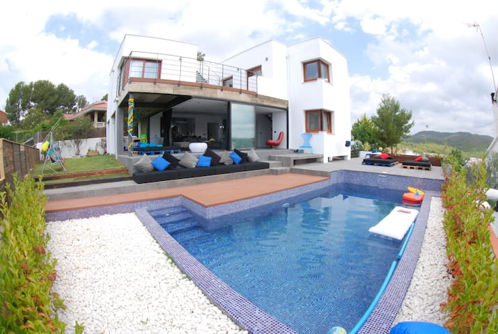 Luxury Home Close to Barcelona