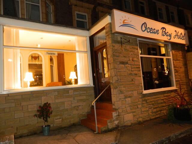 Ocean Bay Hotel - Blackpool - Bed & Breakfast