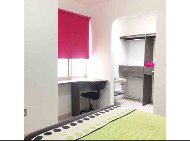 Casa la Estación! Habitación cómoda y moderna.