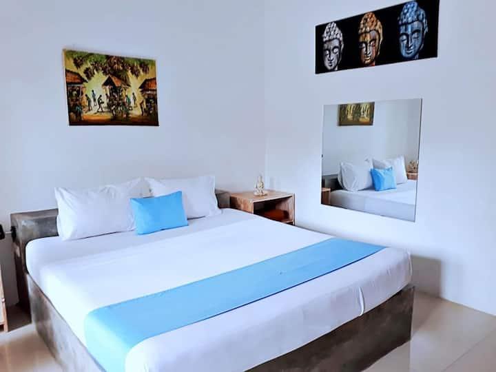 Dream Hotel ( Deluxe Double bedroom )