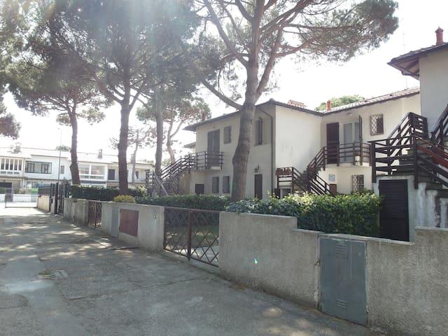 Rif 304: Villetta con giardino 200m dal mare - Lido delle Nazioni - Hus