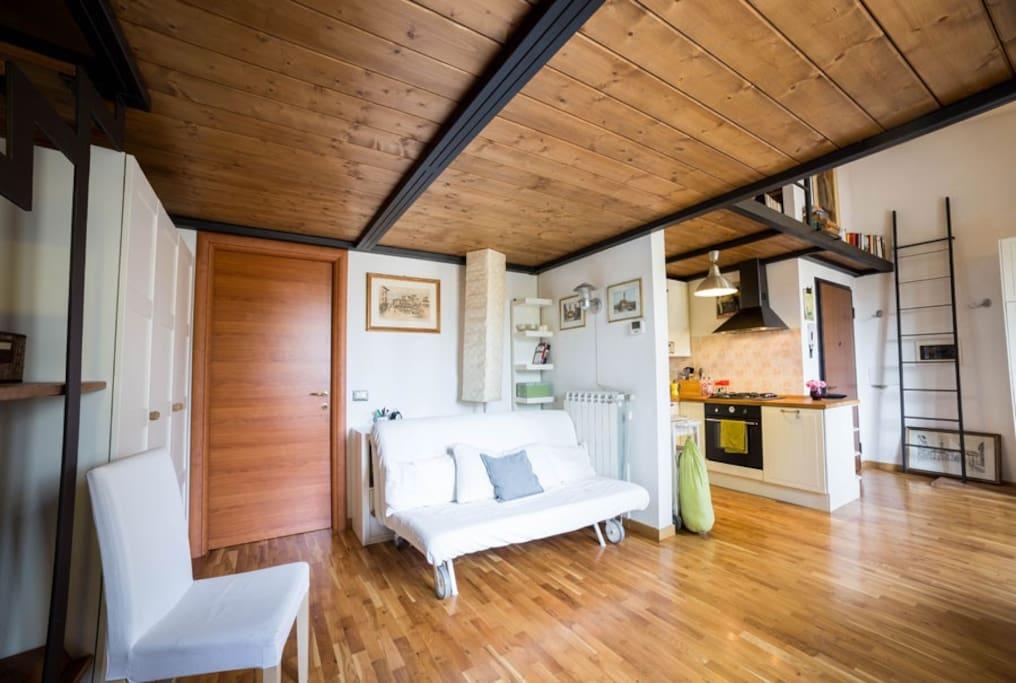 zona living con comodissimo divano letto