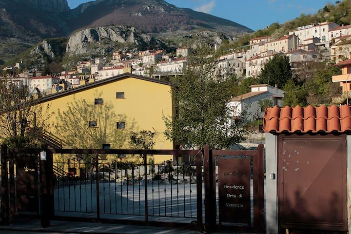 Il Giglio Rosso - Flat with private Garden