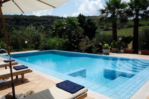 Villa med privat pool på landet