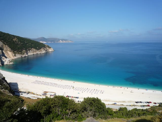 Myrtos Cottages; Erato