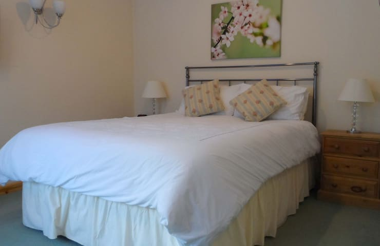 Bluebell House Guest House - Winkfield