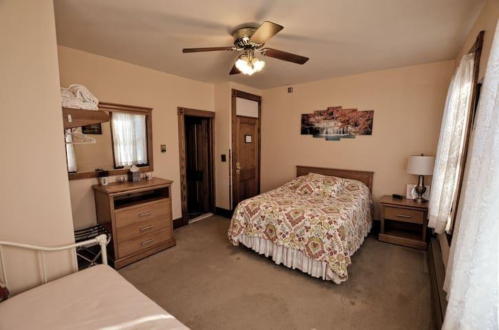 Sedgwick House - Room #1- Family Rm