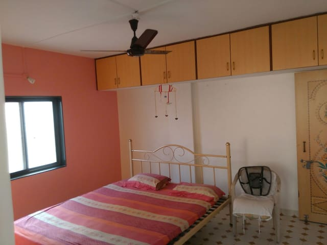 Fully equipped 2BHK home in Pimpri - Pimpri-Chinchwad