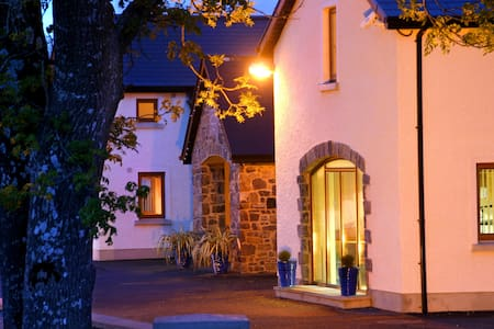 Located 3 miles north of Ballyshannon in south Donegal we are surrounded by lakes, hills, rivers and Bog-land. A 15 minute drive brings you to the blue flag beaches of Rossnowlagh or Bundoran. The Travelers Rest traditional pub is only yards away!