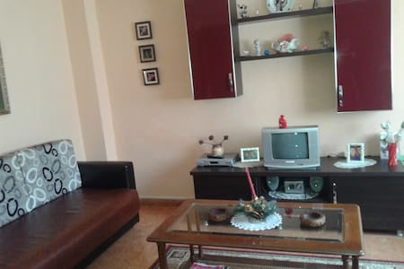 Hospitable House with parking!! - Shkoder