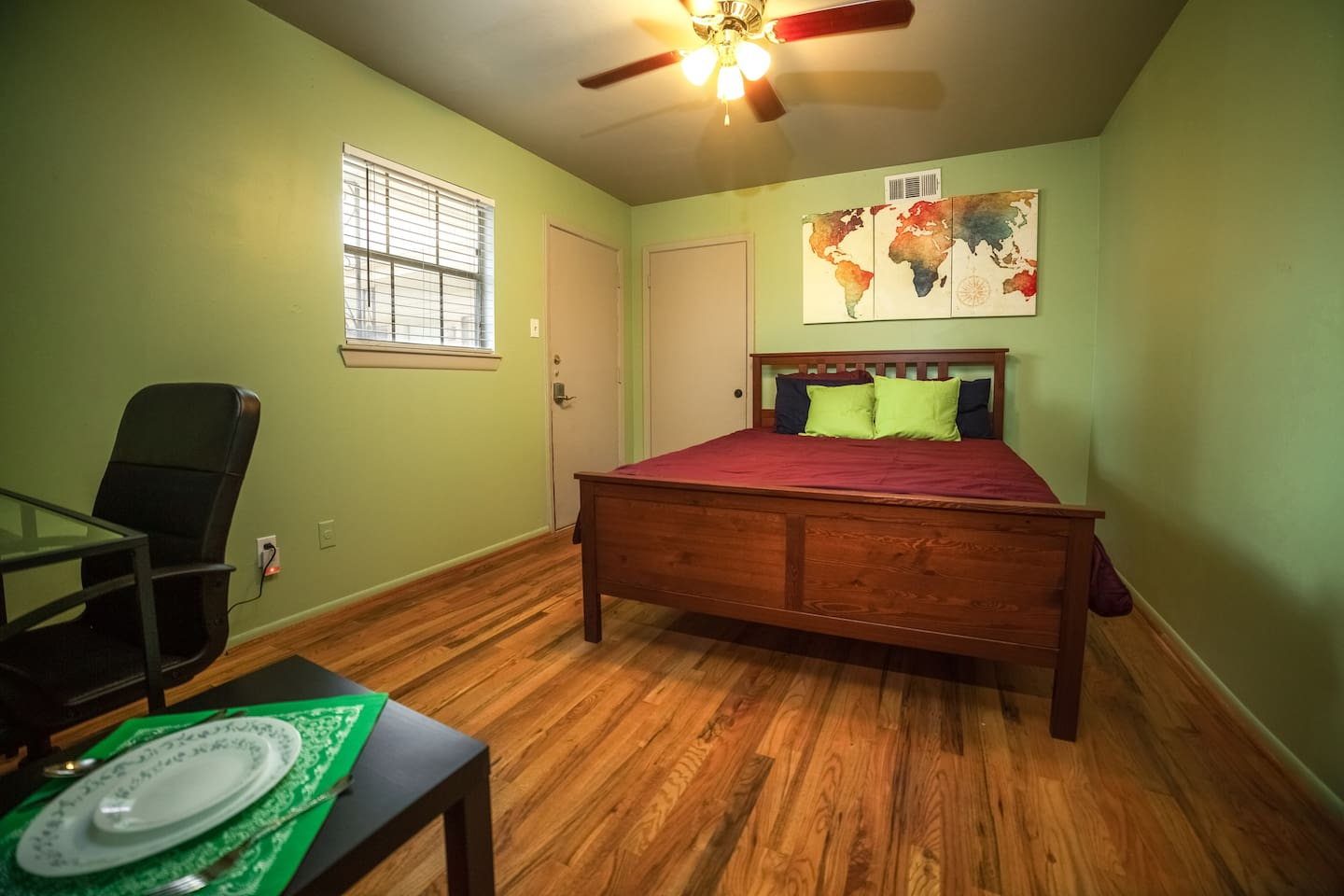 A cozy room with 500 Mbps WiFi in Montrose