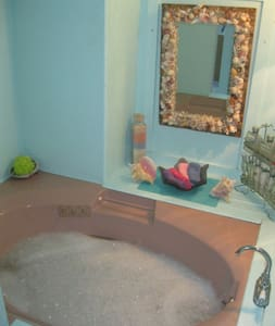 Abalone House Spa Suite - Newport