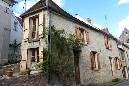 Beautiful house in Chalo-Saint-Mars